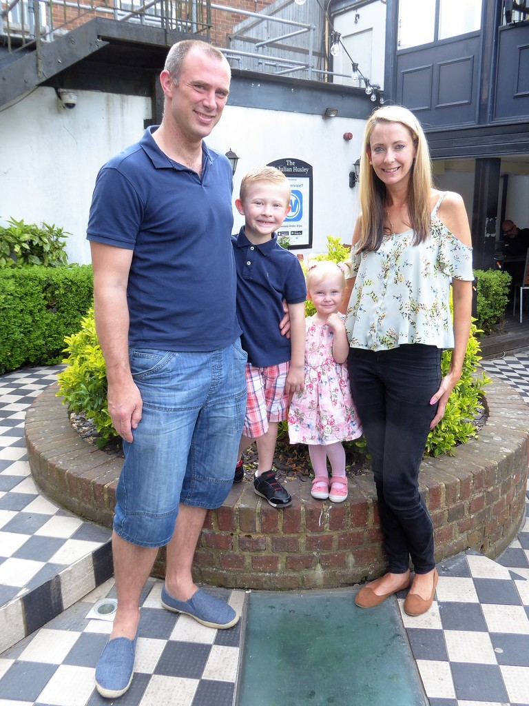 Christopher, Finley, Niamh and Jo by susiemc