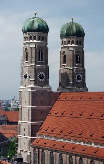 Munich Sightseeing 1: Frauenkirche by toinette