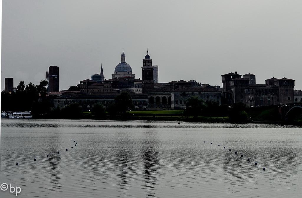 cityscape of Mantova. by caterina