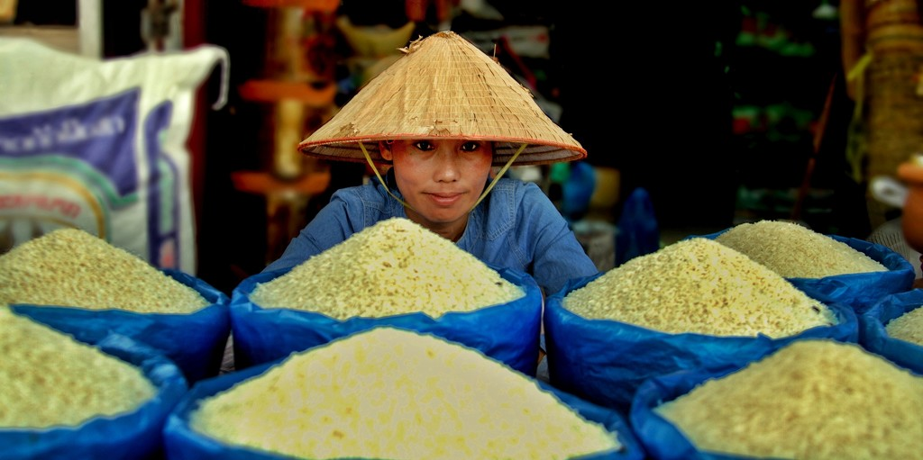 The rice seller.  by leananiemand