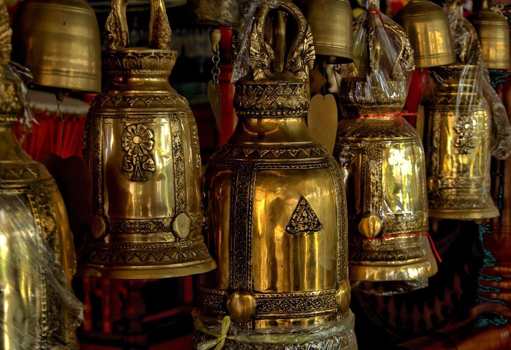Temple paraphernalia by leananiemand
