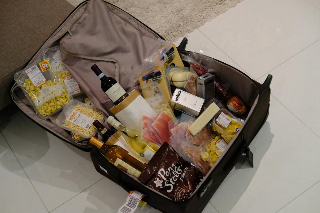 Cargo arrived safely, Abu Dhabi by stefanotrezzi