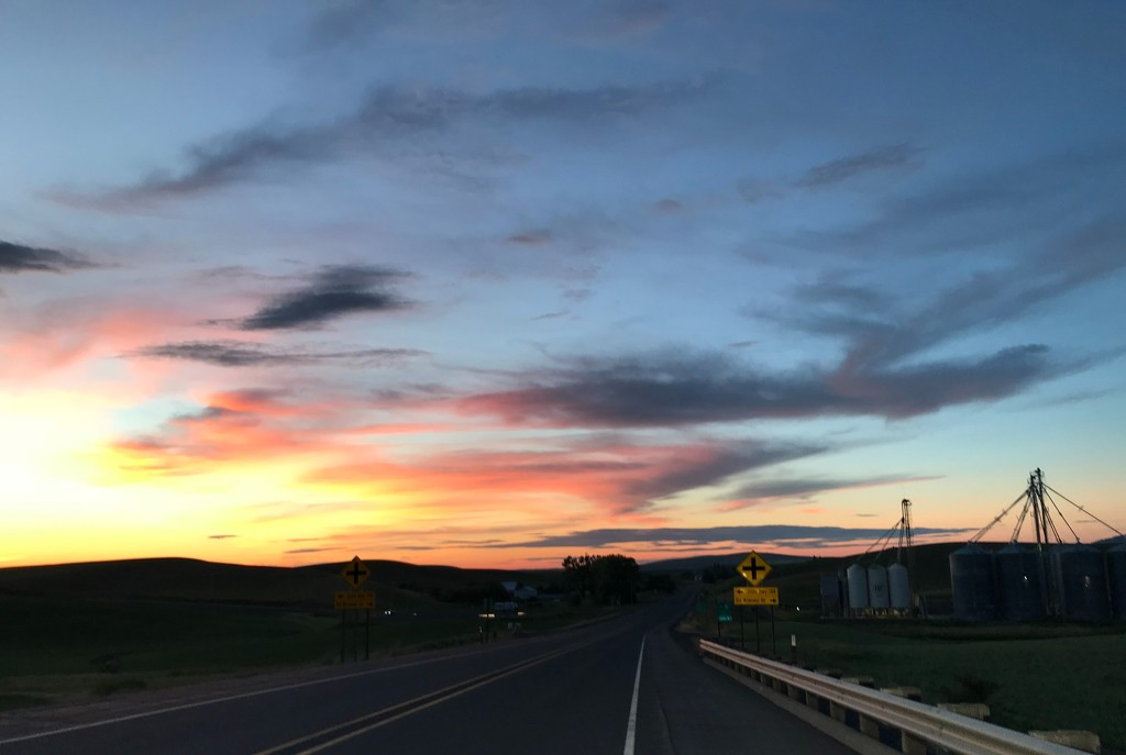Sunset On The Palouse by marilyn