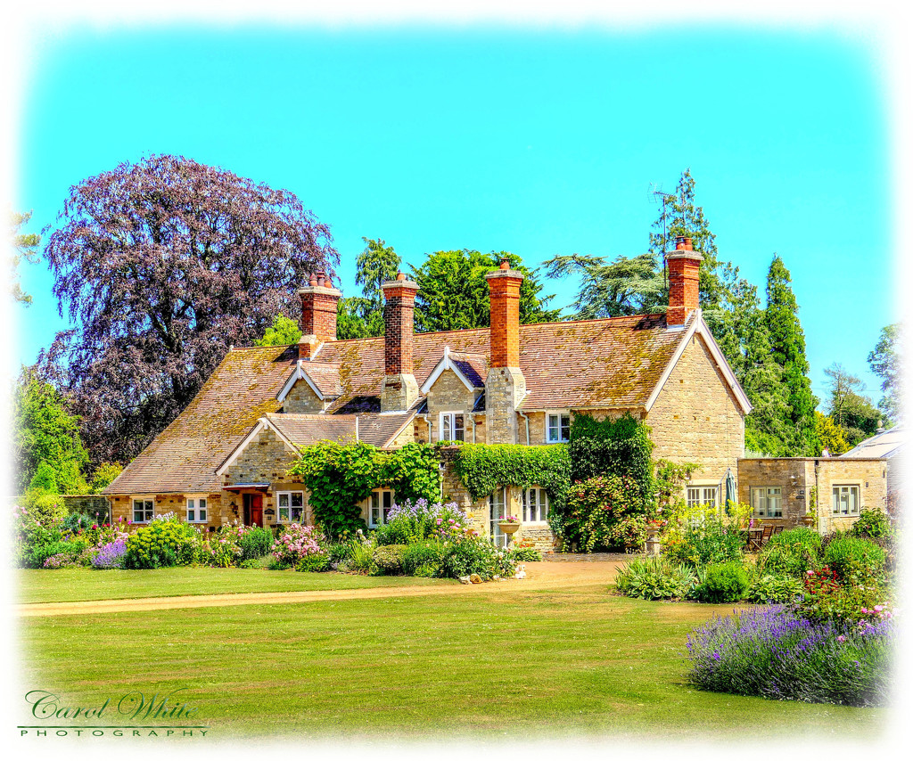 An English Country Home And Garden by carolmw