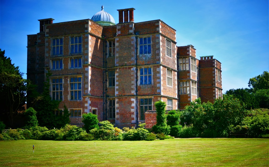 Doddington Hall by carole_sandford