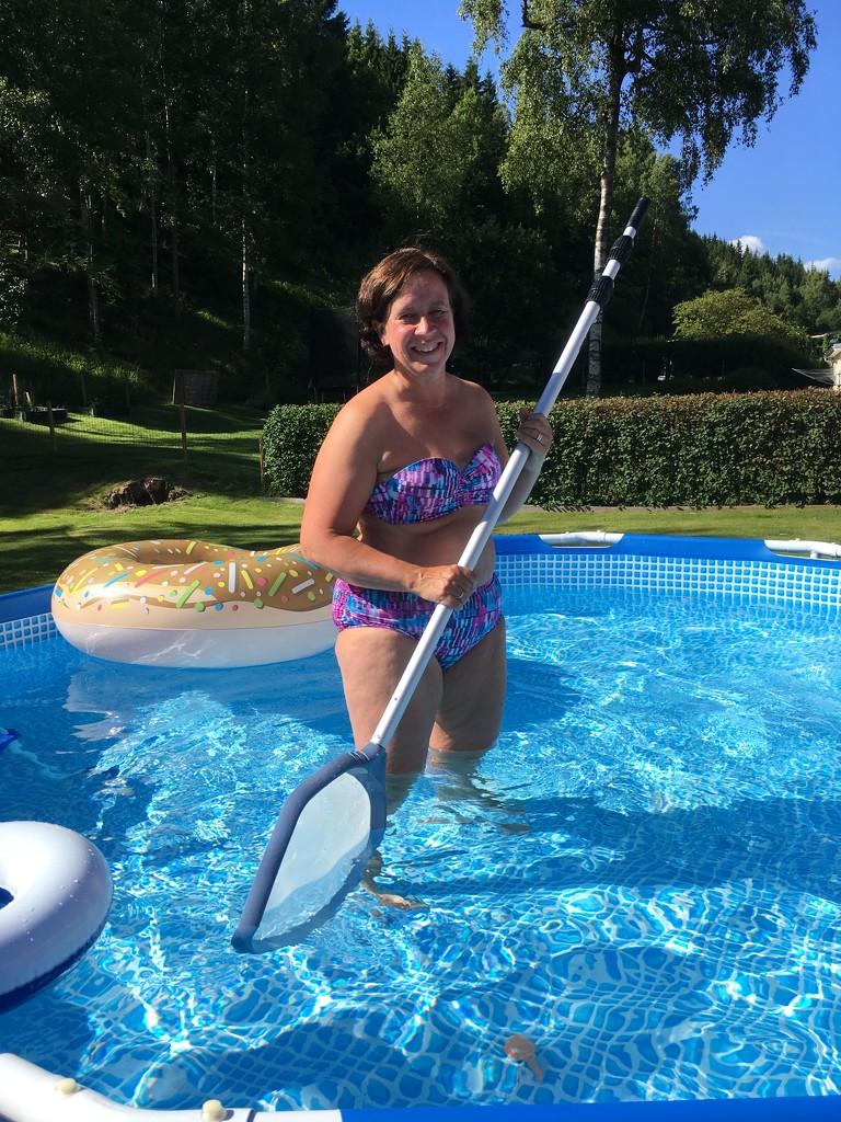 Boo in the Pool by huvesaker