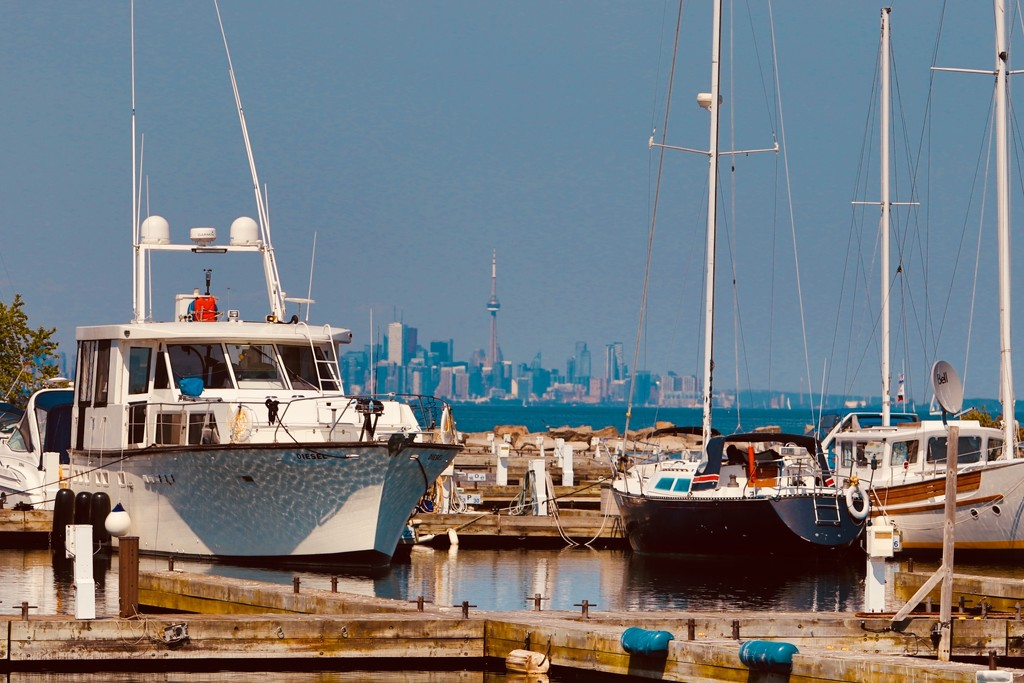 CN Tower from Port Credit by chloette
