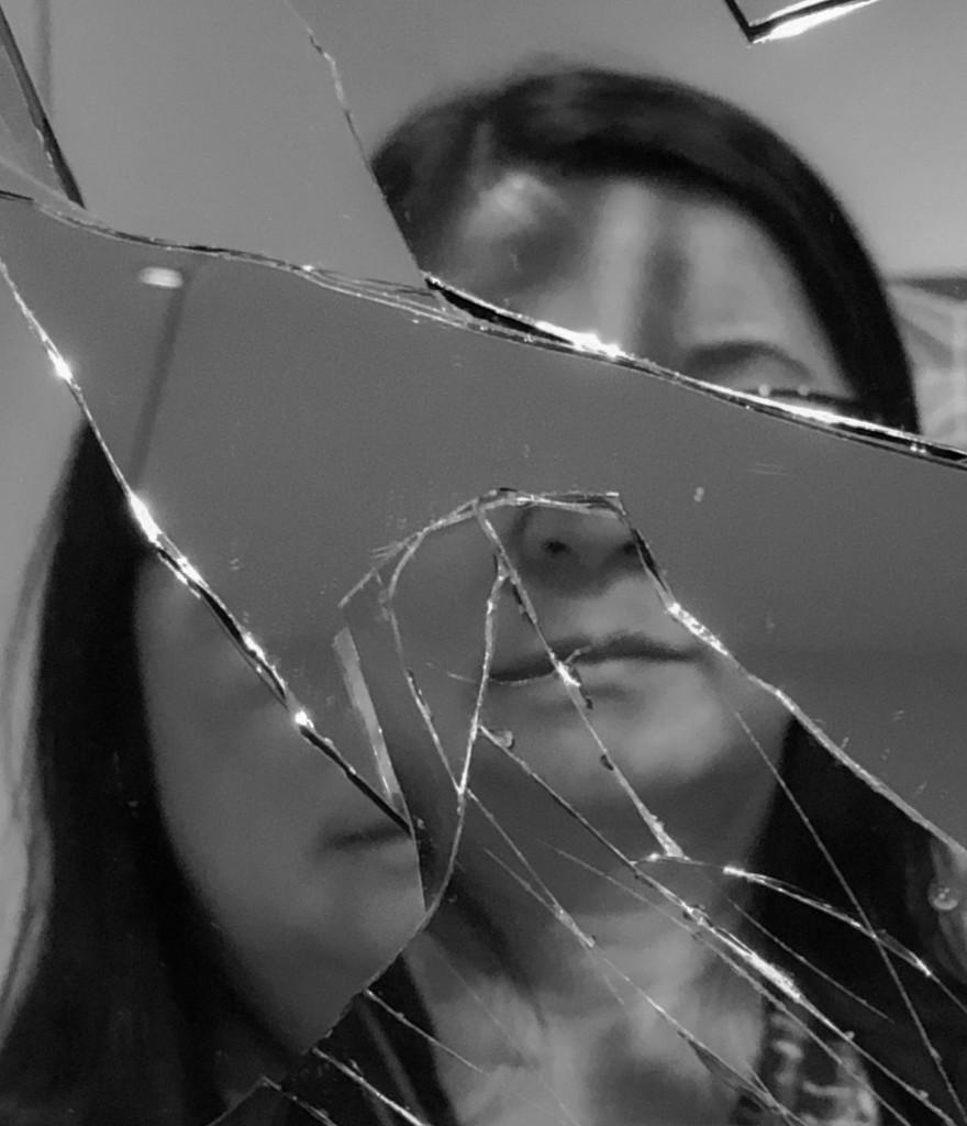 Shattered Selfie by jyokota