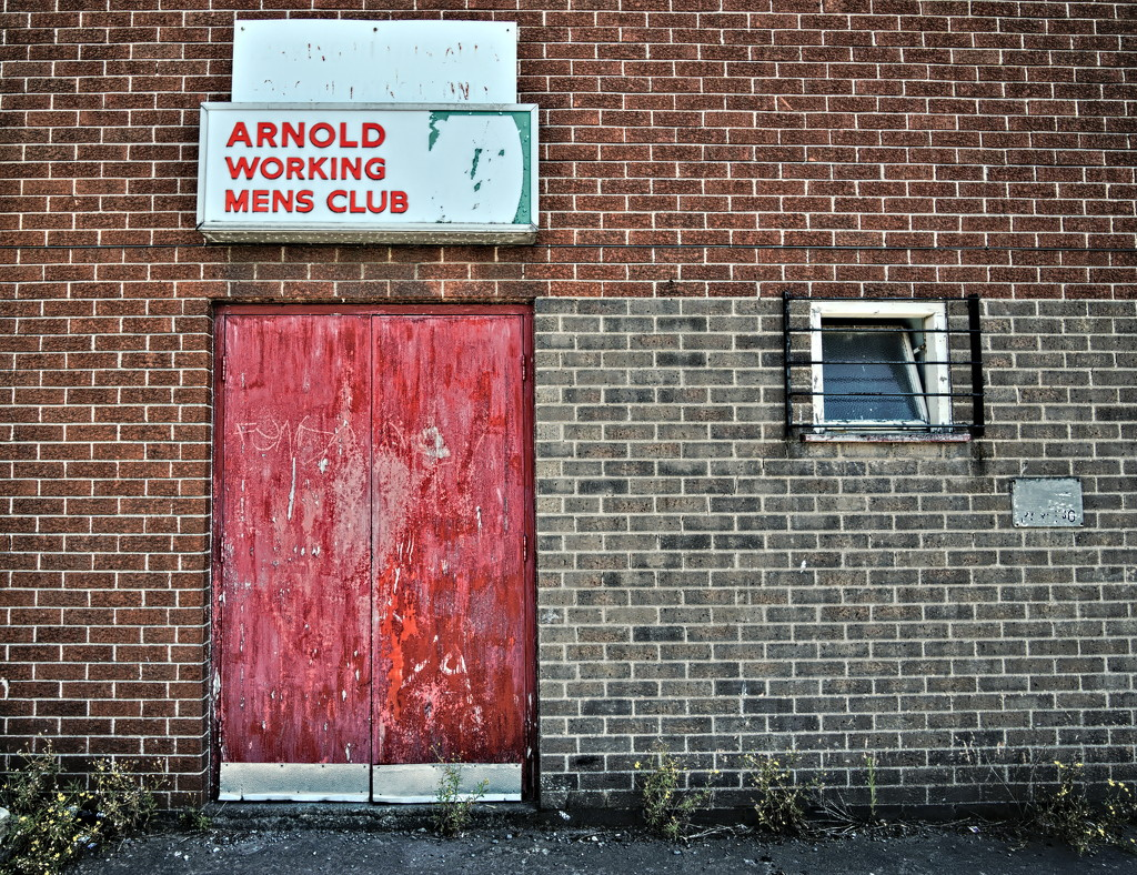 Urban : Arnold Working Mens Club by phil_howcroft