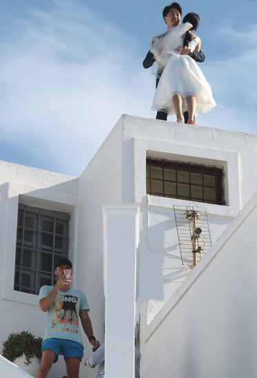 this guy who is totally oblivious to what's happening on the roof by blueberry1222