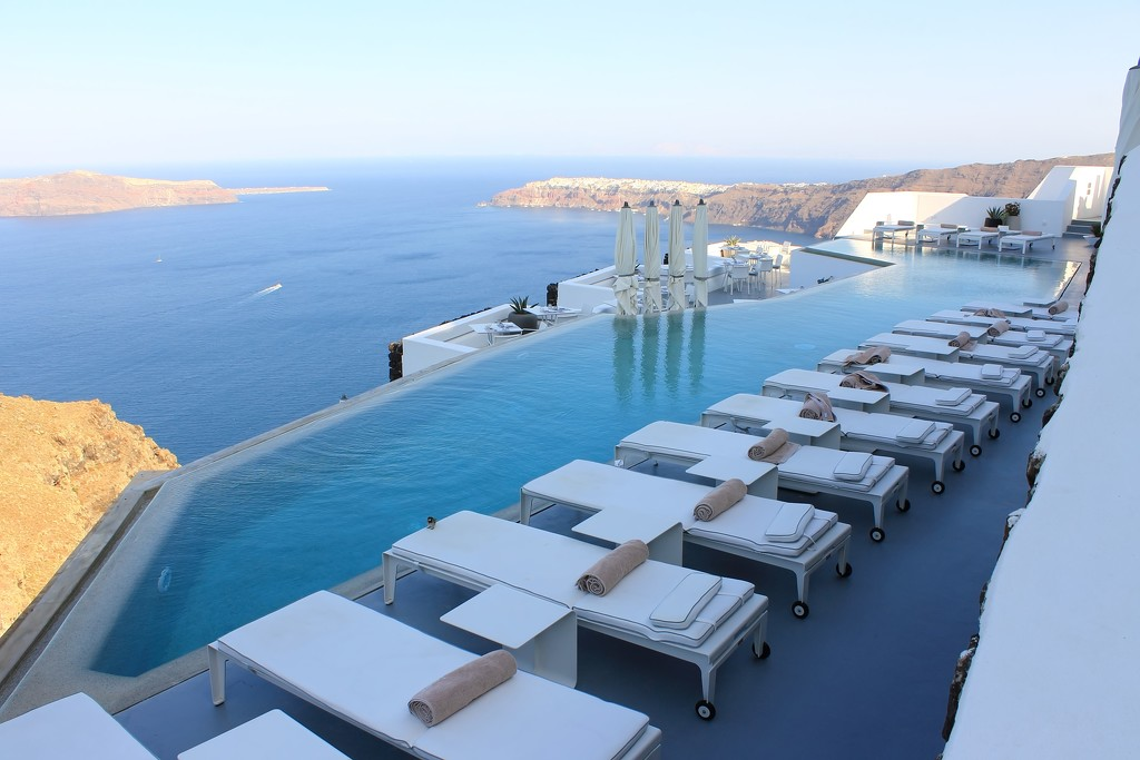 chairs+pool+sea by blueberry1222