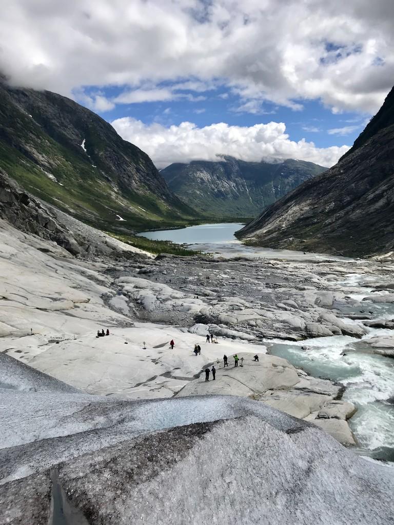 Jostedal Glacier by darrenboyj