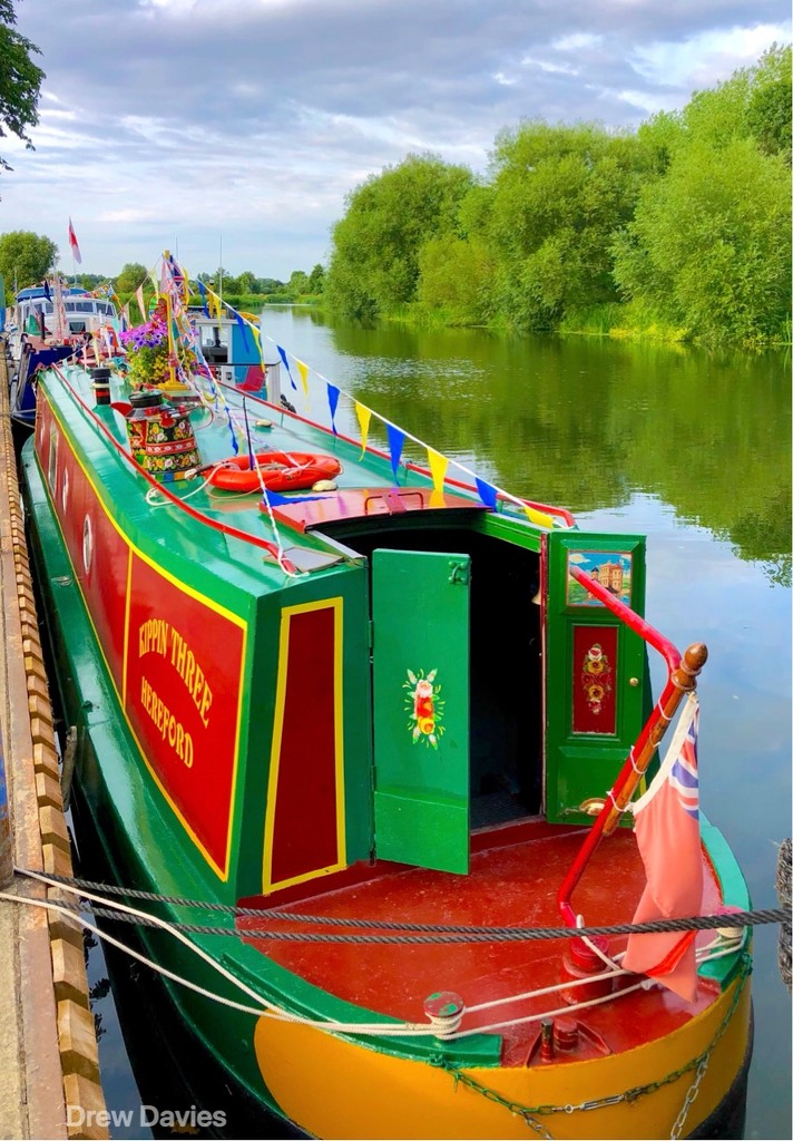 Colourful canal barge.  by 365projectdrewpdavies