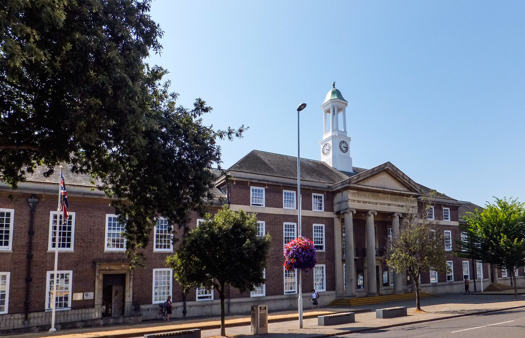 Worthing town hall - West Sussex. by ivan