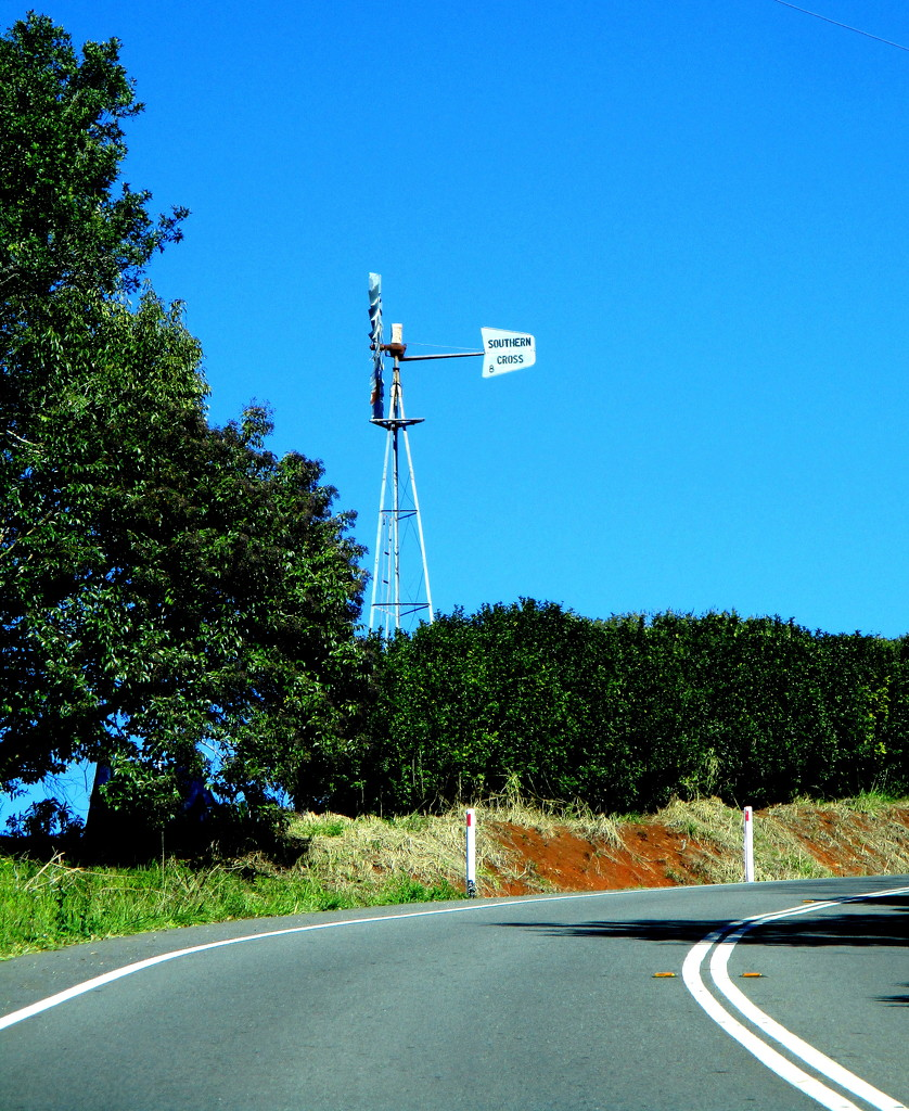 On the road up the Range  SE Queensland by 777margo