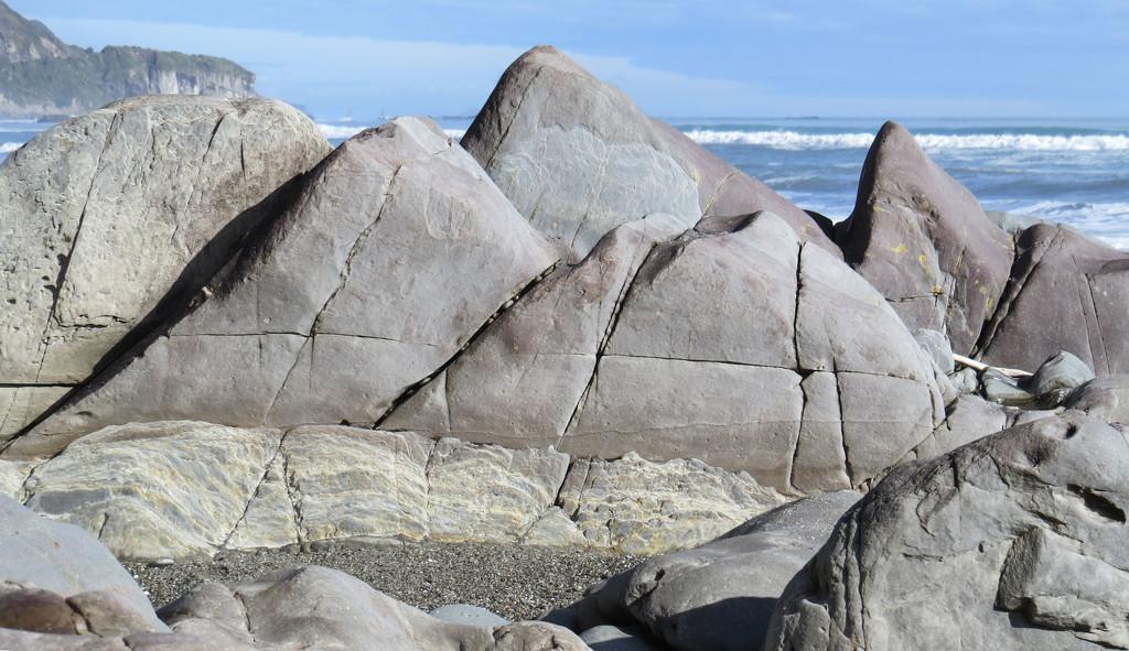 sunshine on the rocks  by kali66