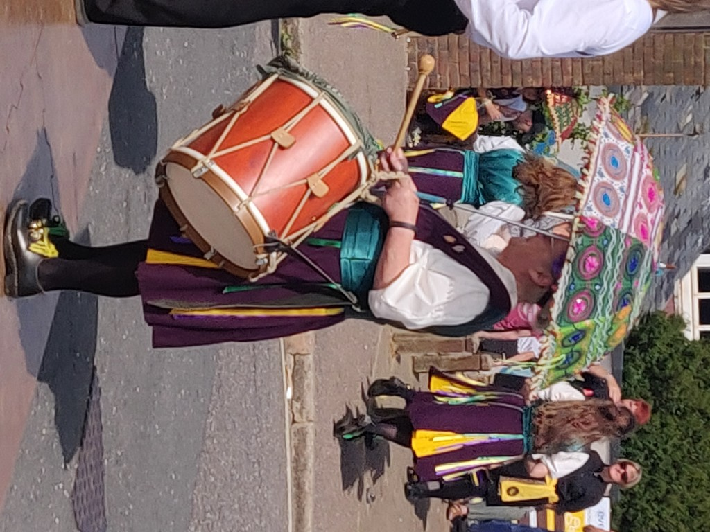 Drummer with umbrella by jmdspeedy