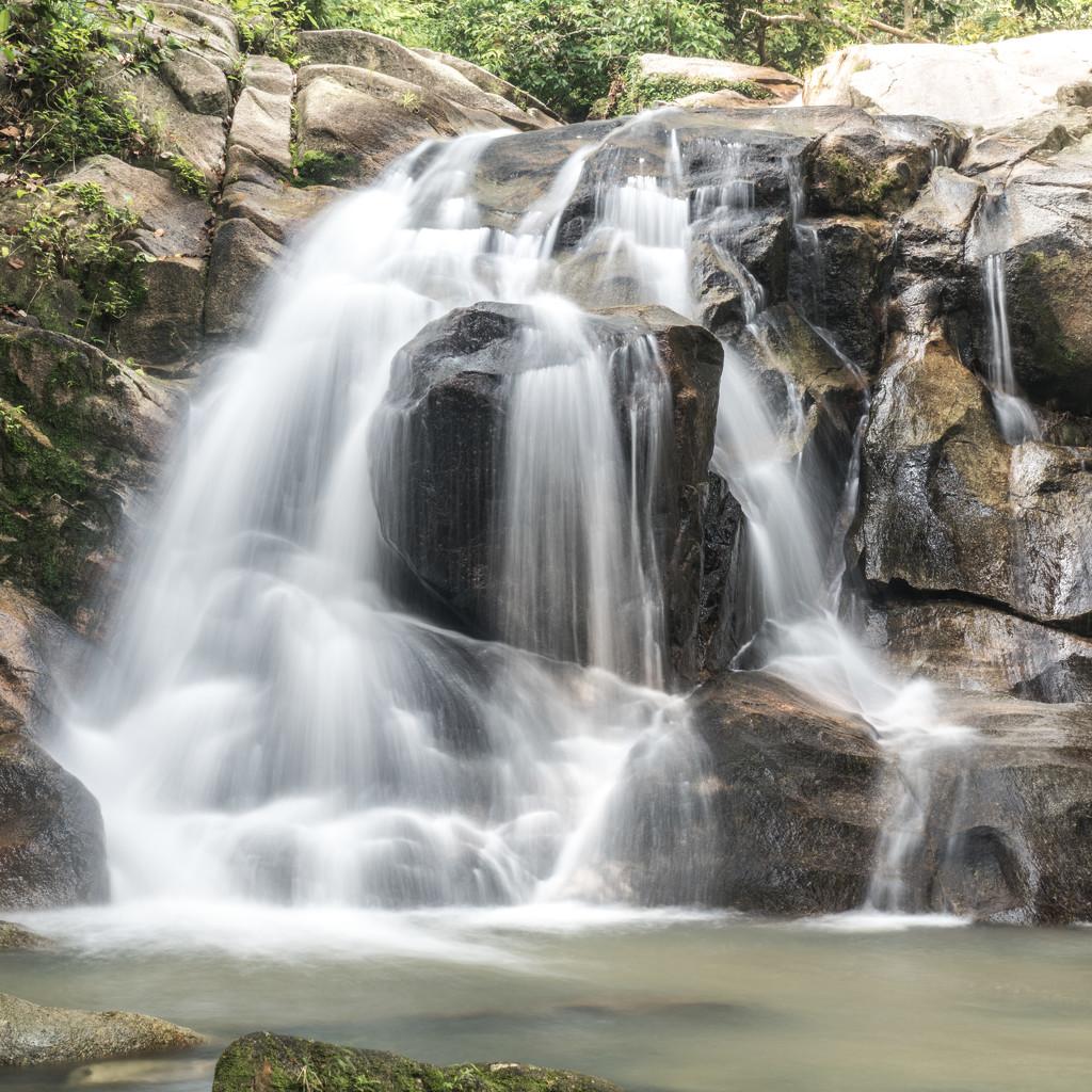 Junjong Waterfall. by ianjb21