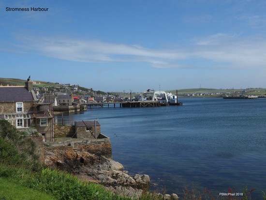 Stromness Harbour by selkie