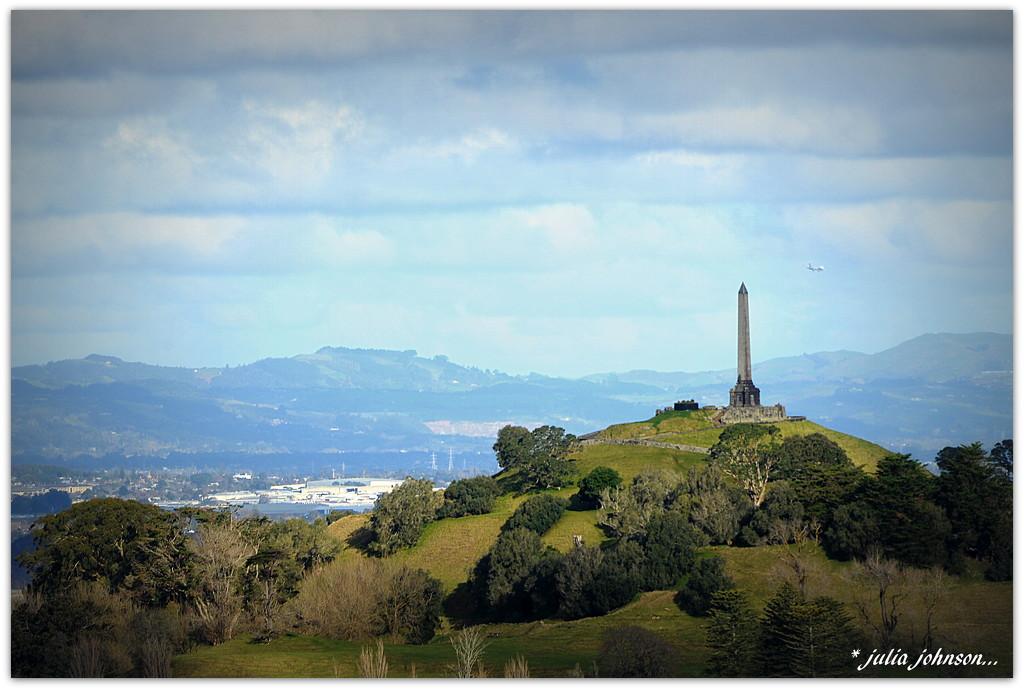 Auckland Volcanoes... One Tree Hill.. Maungakeikei.. by julzmaioro