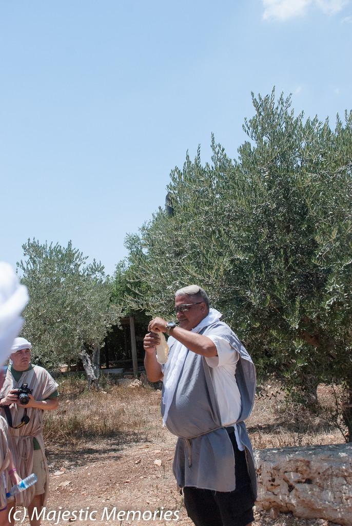 Kfar Kedem making pita by mgbio