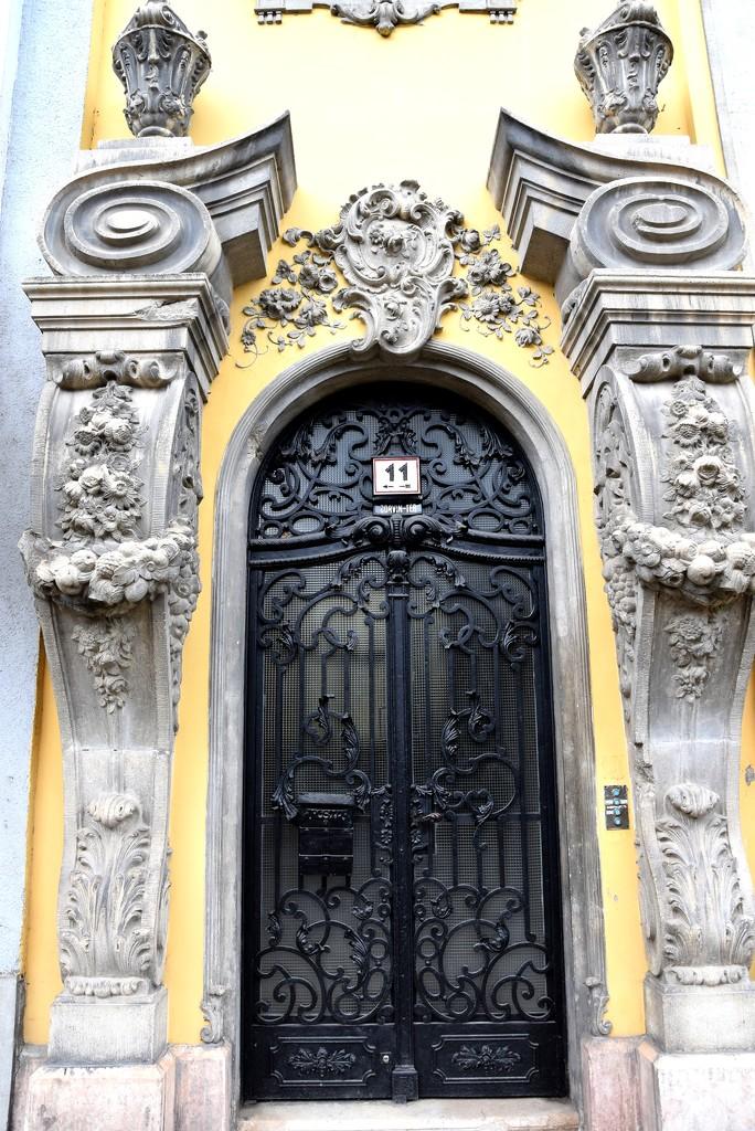 The entrance to Buda palace by kork