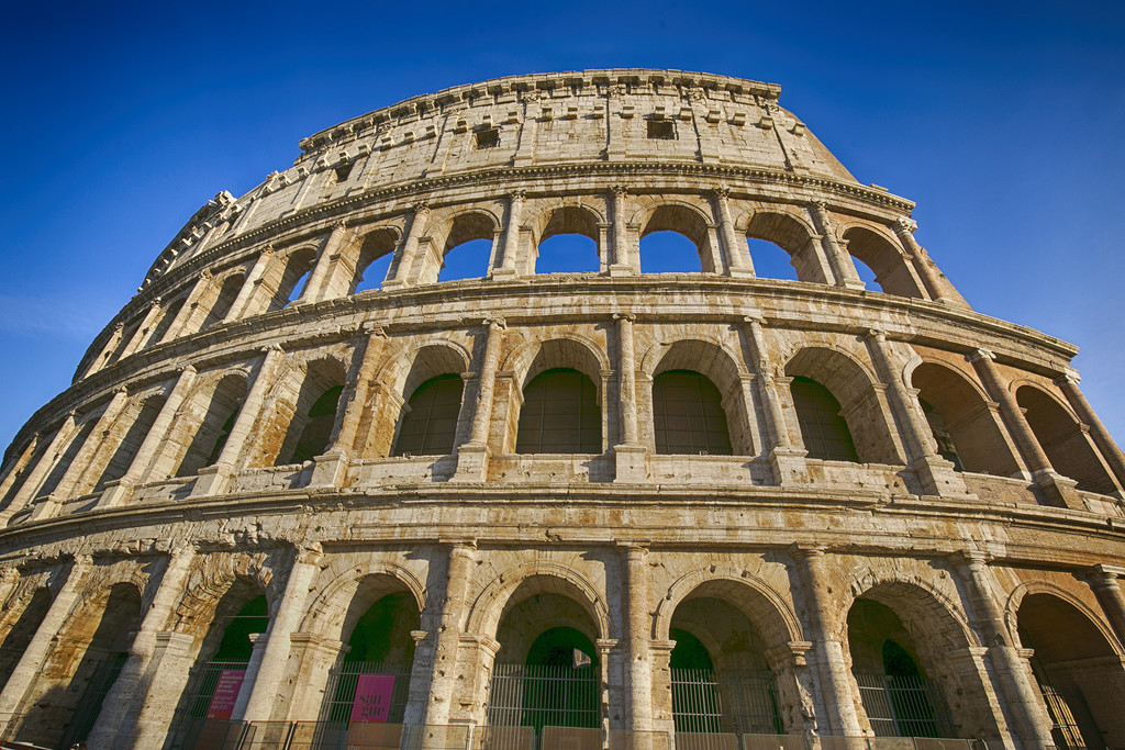 The Roman Colosseum by pdulis