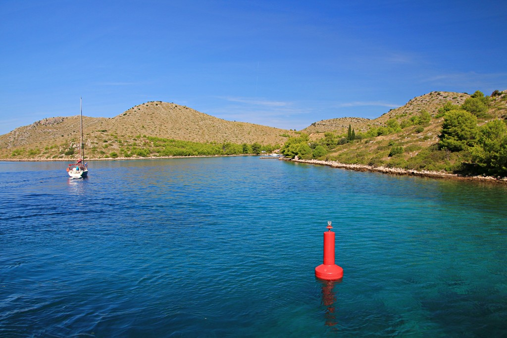 A glimpse of the Kornati Islands  by kiwinanna