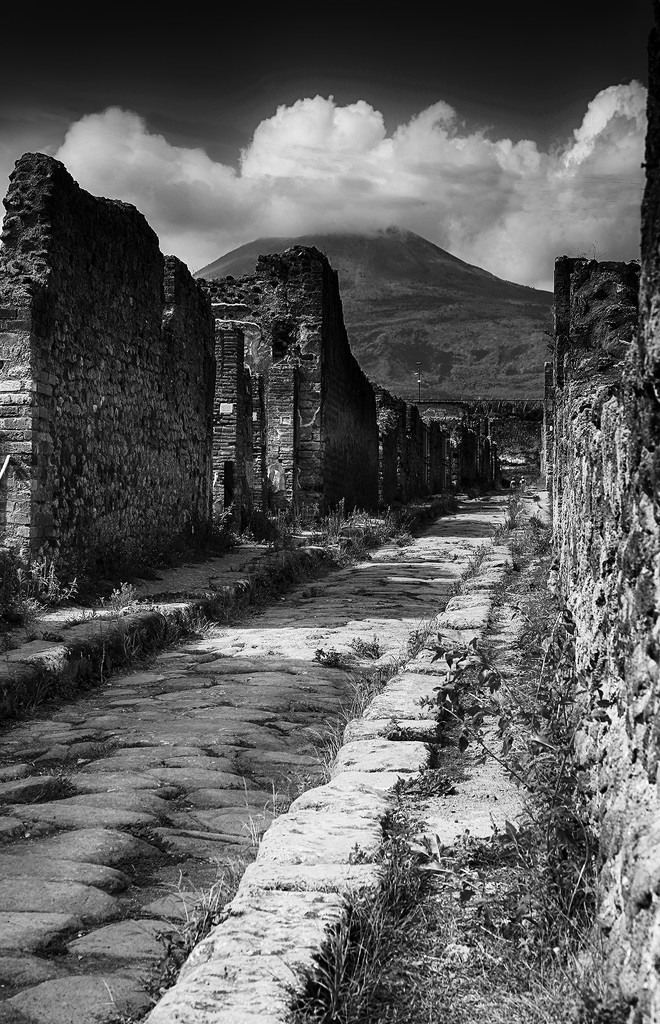 The Streets of Pompeii  by pdulis