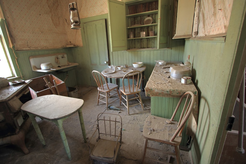 ruined kitchen by blueberry1222