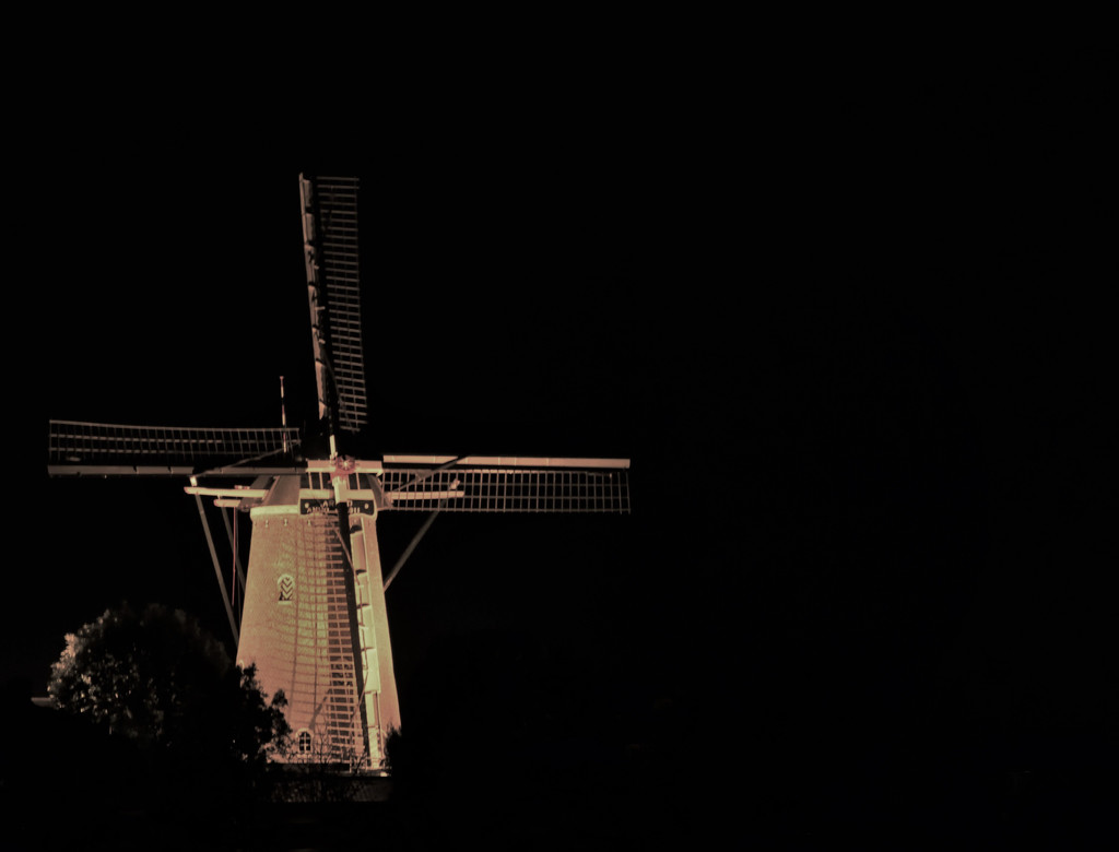Windmill Wouw, the Netherlands by madeinnl