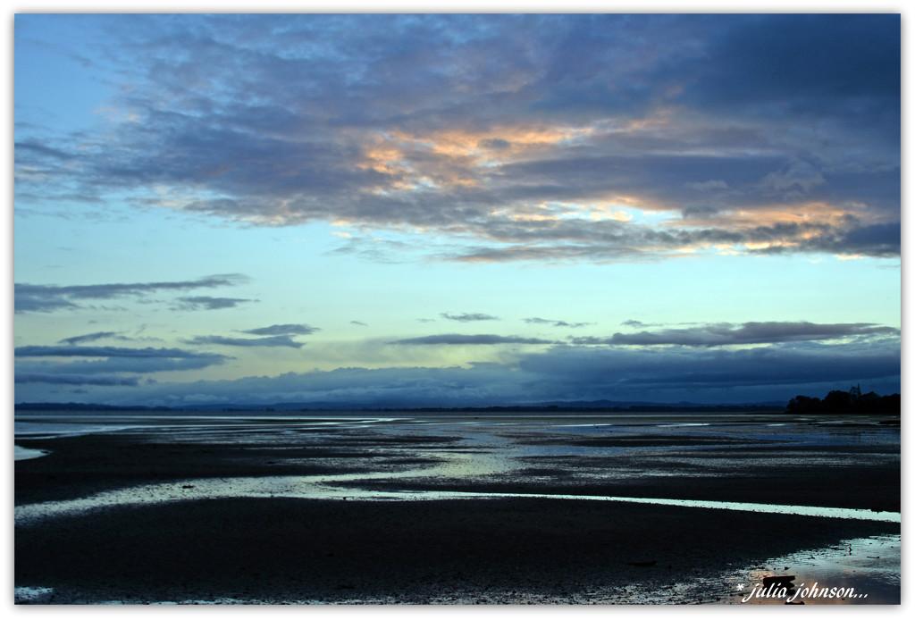 Awhitu Sunrise... by julzmaioro