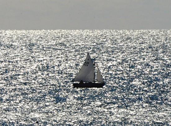Sailing along ........... by sailingmusic