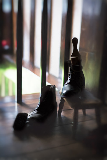 Get your boots polished here. by jocasta