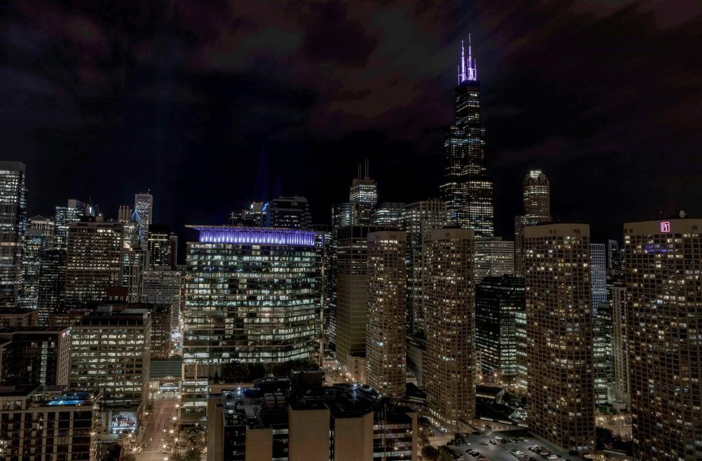 Skybridge View of the Chicago Skyline  by jyokota