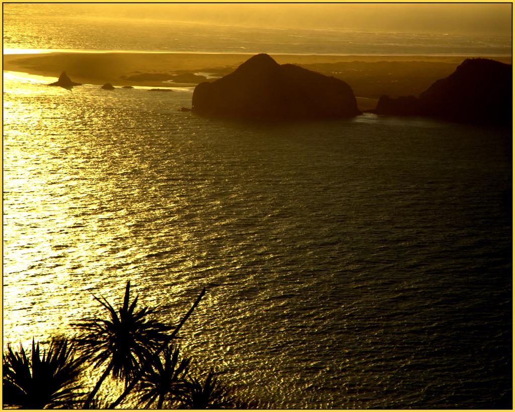 Paratutai Rock by dide