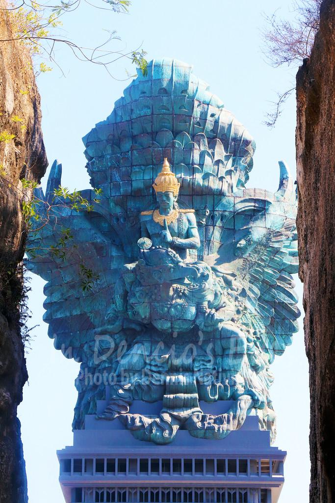 Garuda Wisnu Kencana Statue by iamdencio