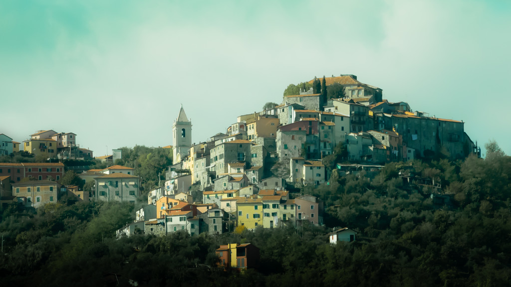 somewhere along the Ligurian coast by northy