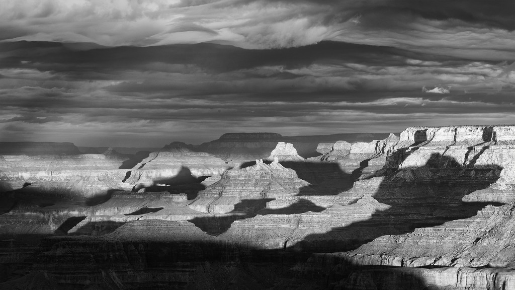 Cracks and Crevices At Lipan Point B and W by jgpittenger