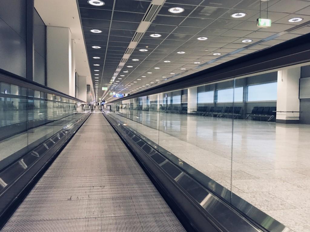Frankfurt airport by vincent24