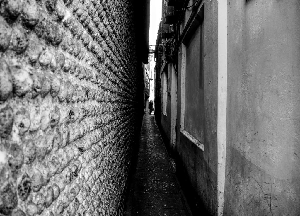 alley  by graemestevens
