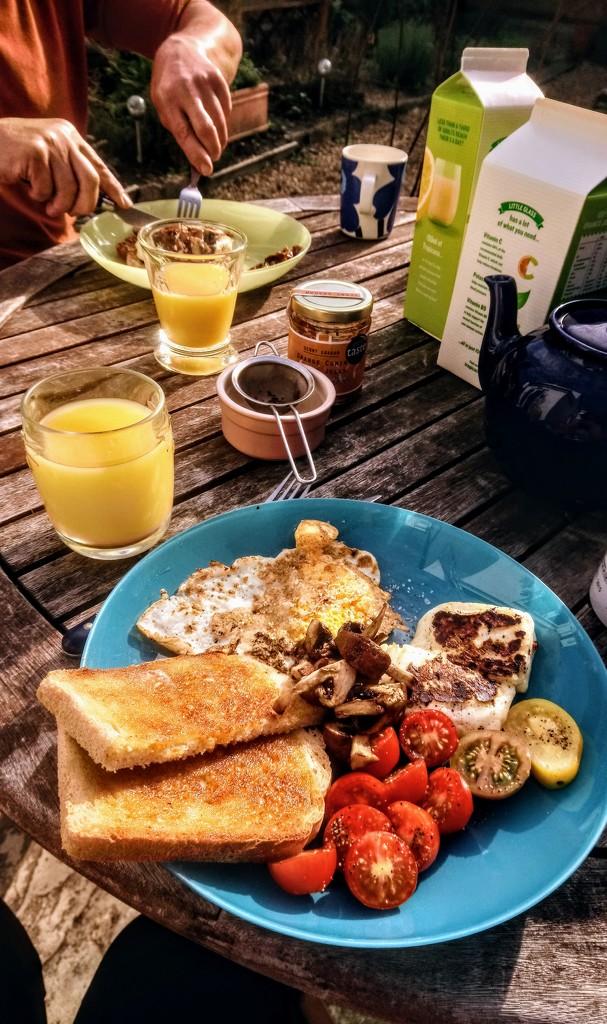 Breakfast outside still by boxplayer