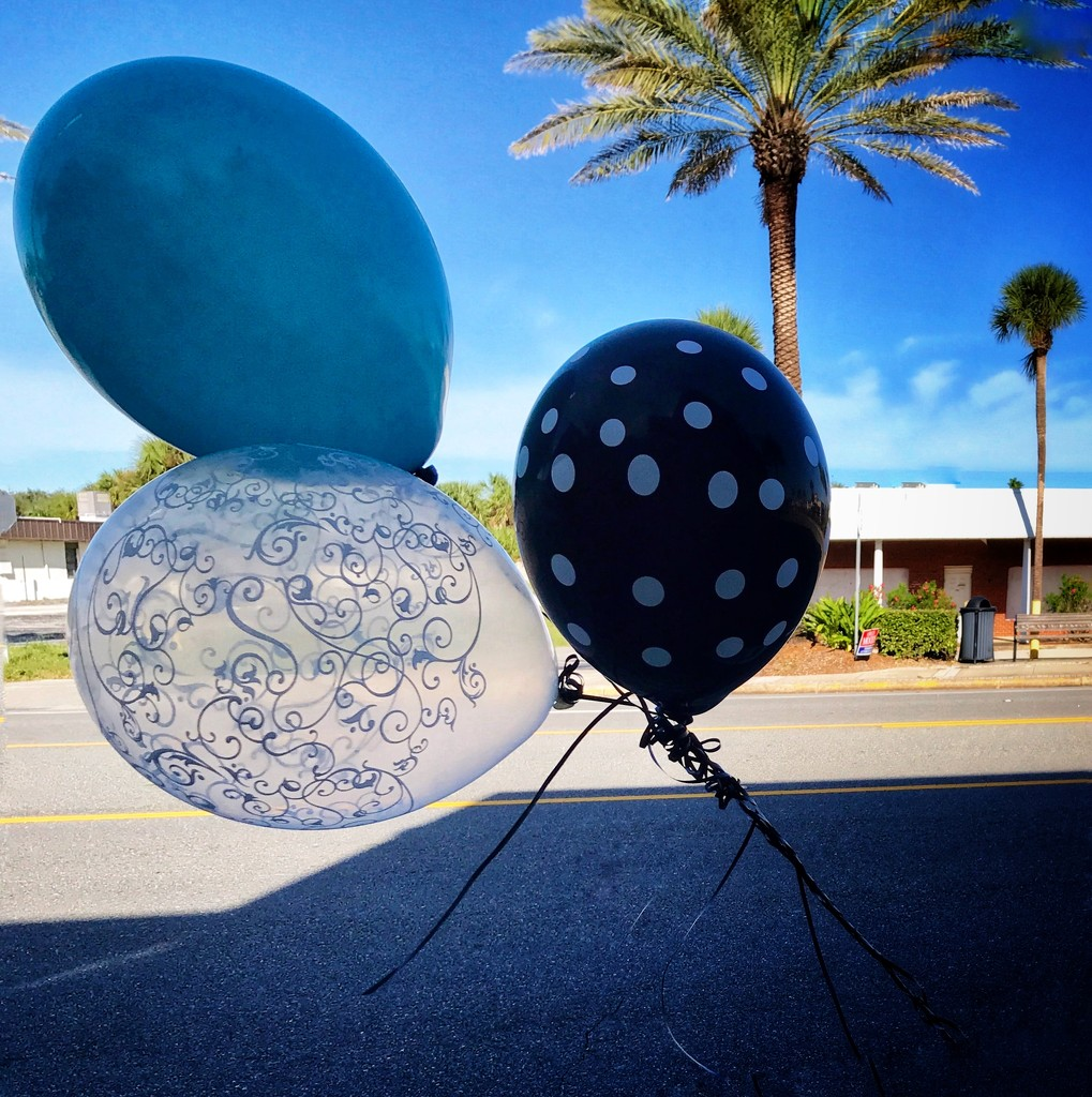 3 Happy  balloons by joemuli