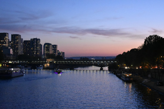 Sunset on the Seine by alophoto