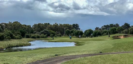 12th hole Creek Course by golftragic