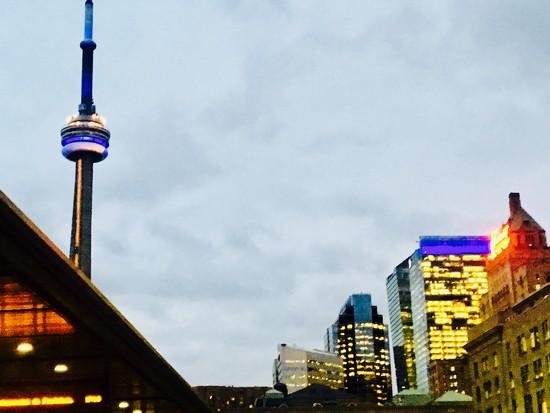 Toronto  by chloette