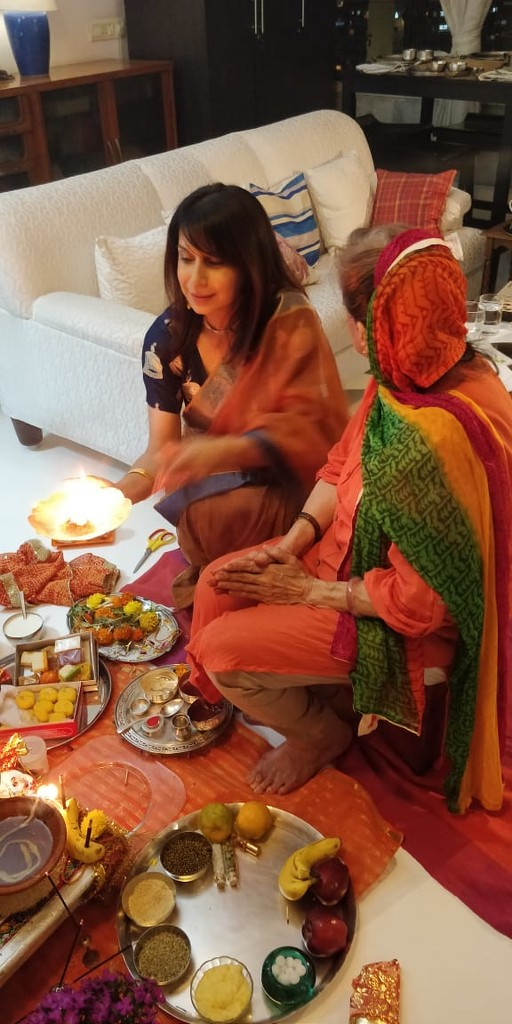 Laxmi Puja ( prayers) at home by veengupta