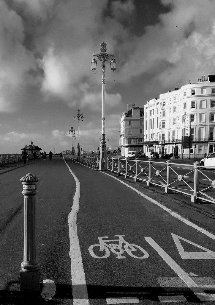 Brighton Seafront II by 4rky