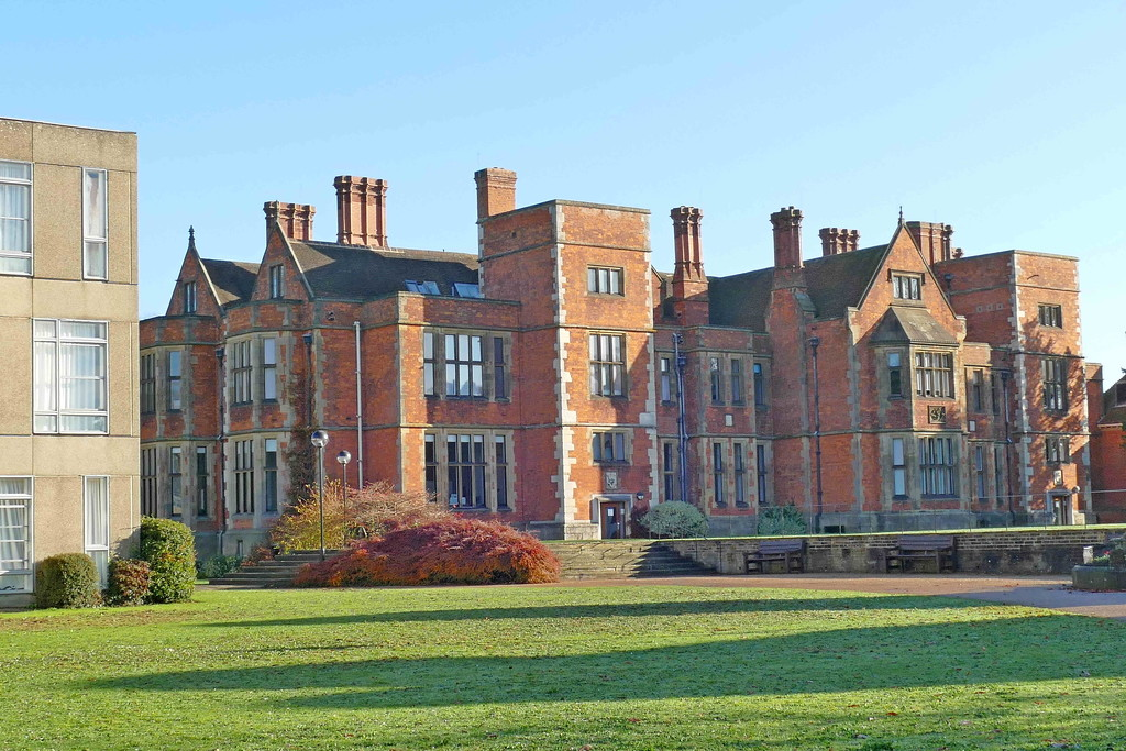 Heslington Hall and Derwent College by jesika2