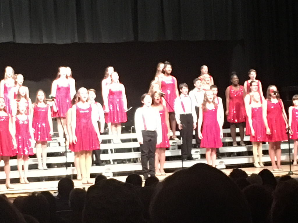 1112_2209 Show choir by pennyrae